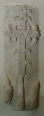 Notre Dame du Cayla pierre tombale