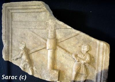 Fragment du sarcophage d`un vigneron III s. Musée d`Aquilée