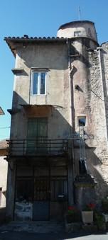 Lapeyre l`escalier du château